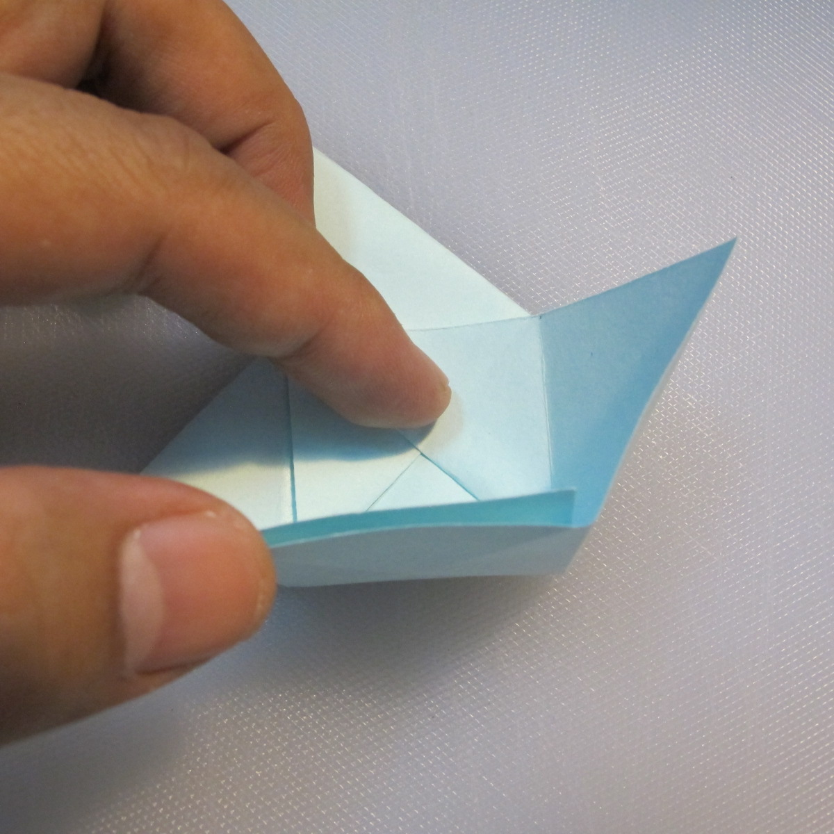 การพับกระดาษรูปดาวกระจาย (Star Origami – スターの折り紙) 012