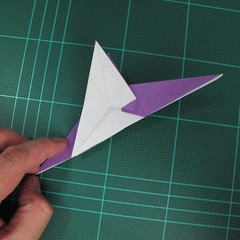 วิธีพับกระดาษเป็นรูปนกอินทรี (Origami Eagle) 019