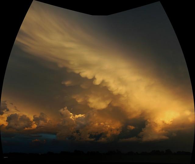 052614 -  Weak but Photograpic Nebraska Storm Cells (Pano)