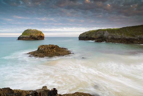 longexposure sea seascape zeiss sunrise landscape nikon rocks paisaje lee marinas islets 21mm marcantábrico 2013 zf2 distagont2821 d800e