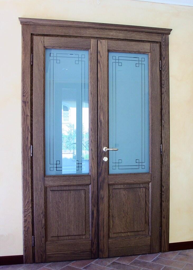 Porta A Due Ante Con Vetro.Porta Interna In Legno Massiccio A Due Ante Con Capitello Flickr
