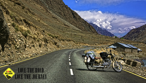 Royal Enfield - Drass Kargil Highway