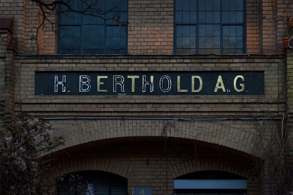 be (was) Berlin - H  Berthold AG Type Foundry   Berthold AG