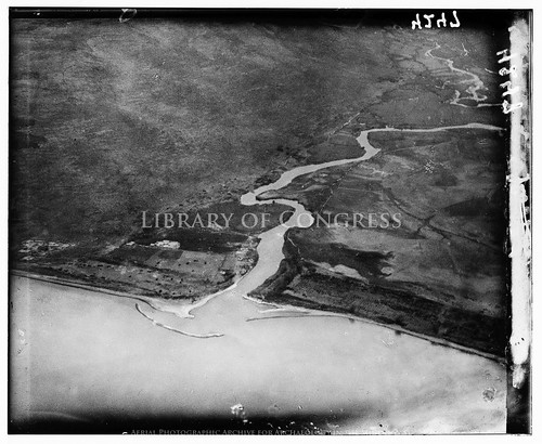 archaeology ancienthistory middleeast aerial libraryofcongress airphoto oblique aerialphotography matsoncollection dryplatenegative aerialarchaeology geocodedbasedonsite