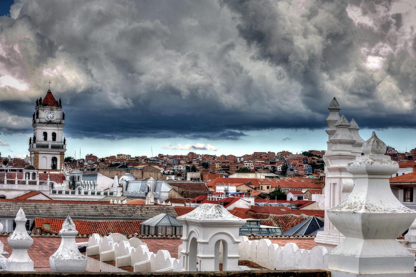 Qual é a capital da Bolivia. Sucre