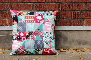 Nordika Mystery Pillow | by Jeni Baker | In Color Order