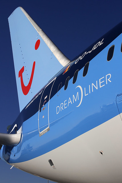Boeing 787-8 Dreamliner – Jetairfly (TUI Airlines Belgium) – OO-JDL – Ostend (OST EBOS) – 2013 12 10 – Parked – 14 – Copyright © 2013 Ivan Coninx Photography