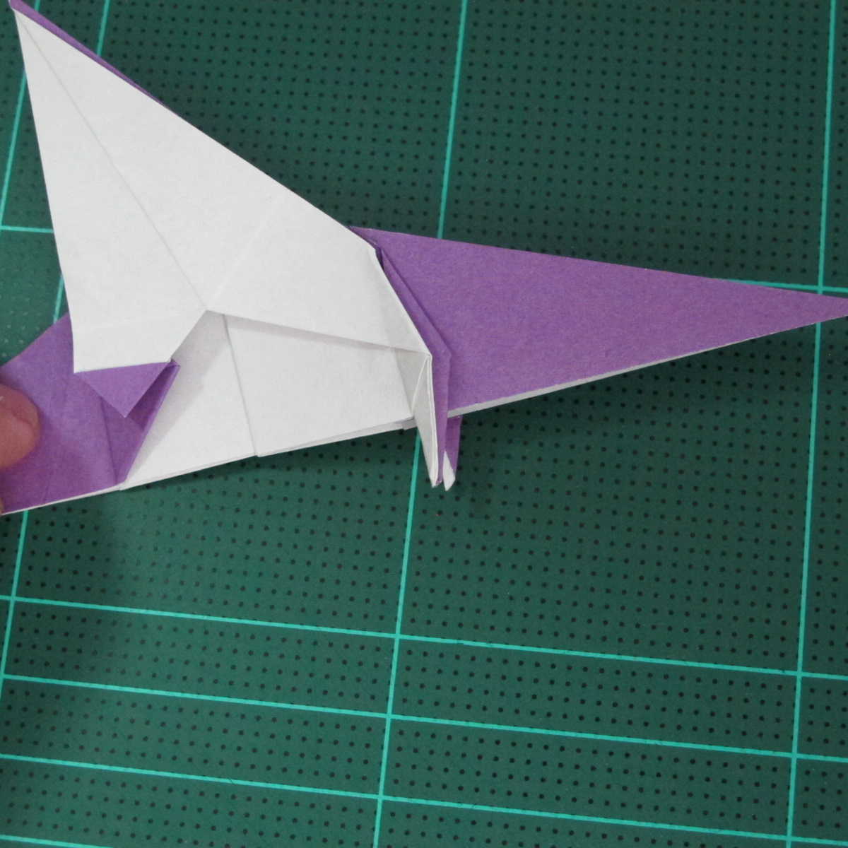 วิธีพับกระดาษเป็นรูปนกอินทรี (Origami Eagle) 027