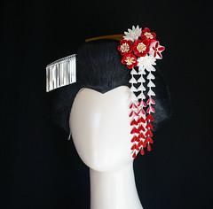 Red and White Tsumami Kanzashi