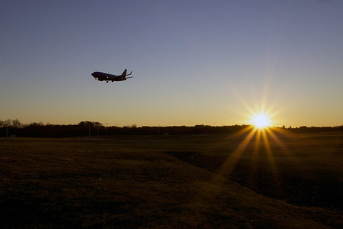 morning sun sunrise canon airplane airport md jet maryland airline 1740mm bwi annearundelcounty 5dmarkii