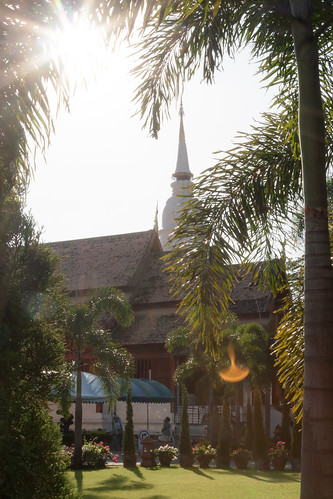 2013-11-12 Thailand Day 05, Wat Phra Singh Woramahaviharn, Chiang Mai | by Qsimple, Memories For The Future Photography