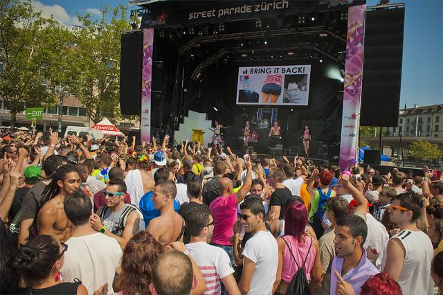 Wild Party in Zurich Street Parade 2012. No. 5394.