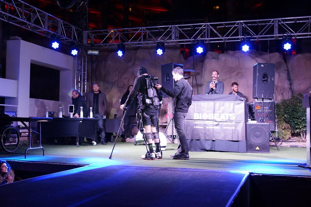Living in Digital Times 2014 Robotics on the Runway 36