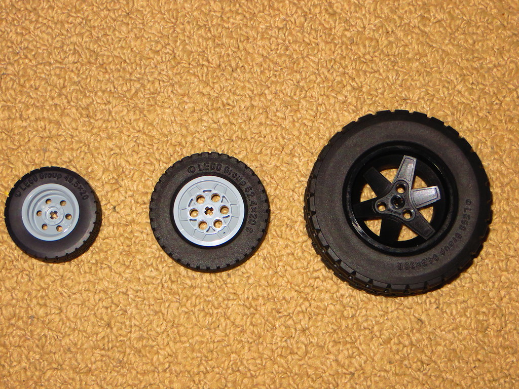 Tire Size Comparison >> Lego Tyre Wheel Size Comparison With The New Smaller Tyre