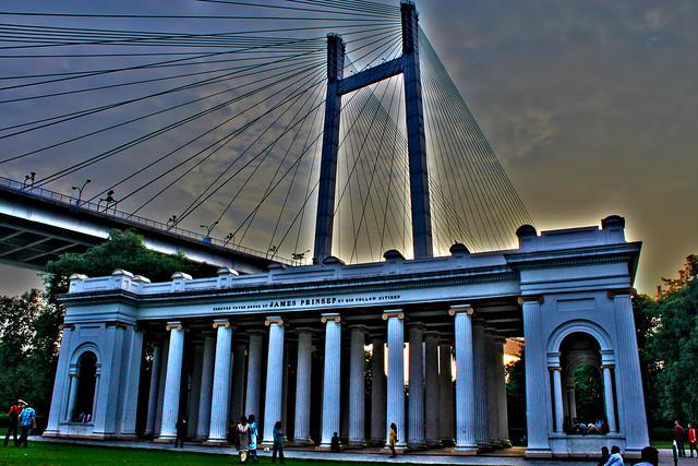 Princep Memorial under the Bridge