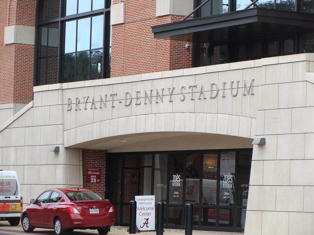 Bryant Denny Stadium Tuscaloosa Al Zoes Kitchen Locate