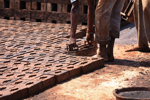 people india brick horizontal factory district maharashtra cultures humaninterest kolhapur brickmakers brickfactory westindia migrantlabour makingbricks dryingbricks bricklabourer indianbricklaboreres bricklabour bricklaborer traditionalbrickfactory moldingbricks peopleonworks