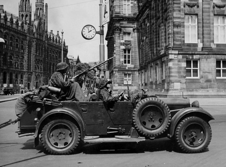 NAZI CAR with a MG 34 or 42 ?