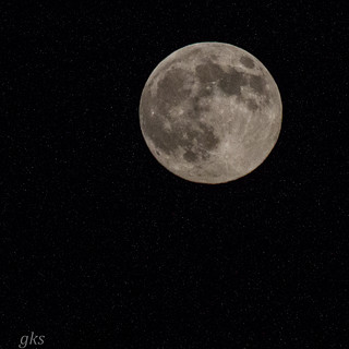 Super Moon. Hand-held 300m lens. | by gks18