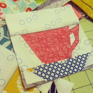 Paper piecing teacups for #circle7 bee!