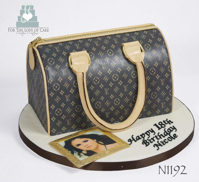 N1192-brown-LV-purse-cake-toronto