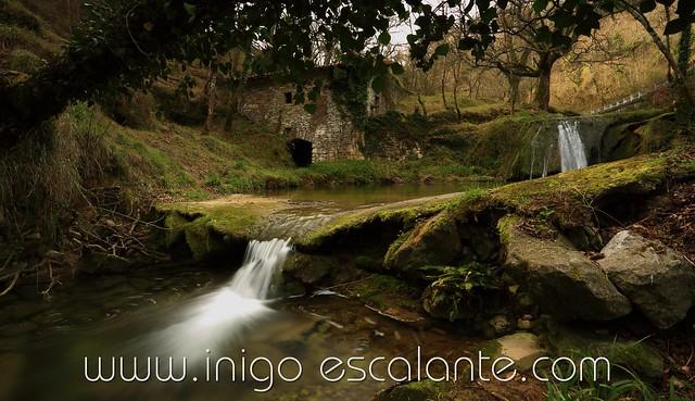 Molino y cascadas en Alava