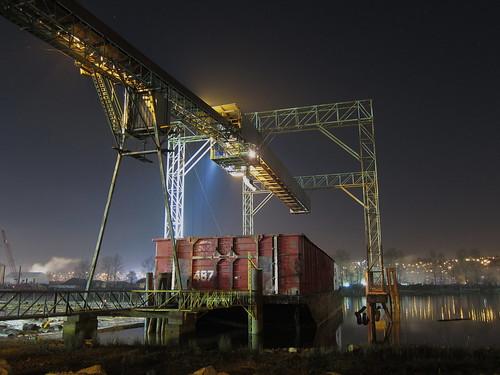 Barge loader | by Thomas_H_photo