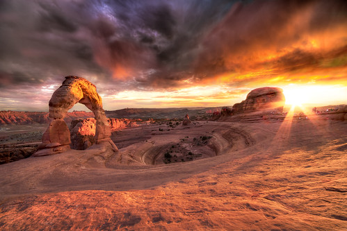 Delicate Arch and the Cauldron