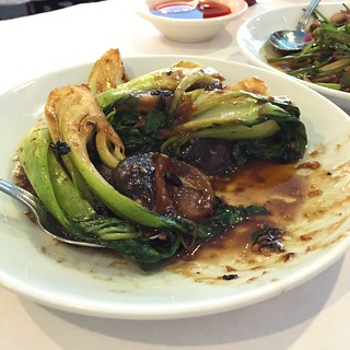 Baby Bok Choy + Dried Black Mushrooms ( # L22) - light sauce-please- Lunch Special@                 Northern City > 31st & Halsted St.~ Emerald St. | by Man_of Steel