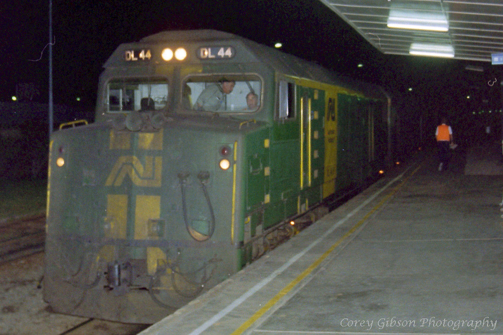DL44 arrives at Broken Hill with an overnight freighter by Corey Gibson