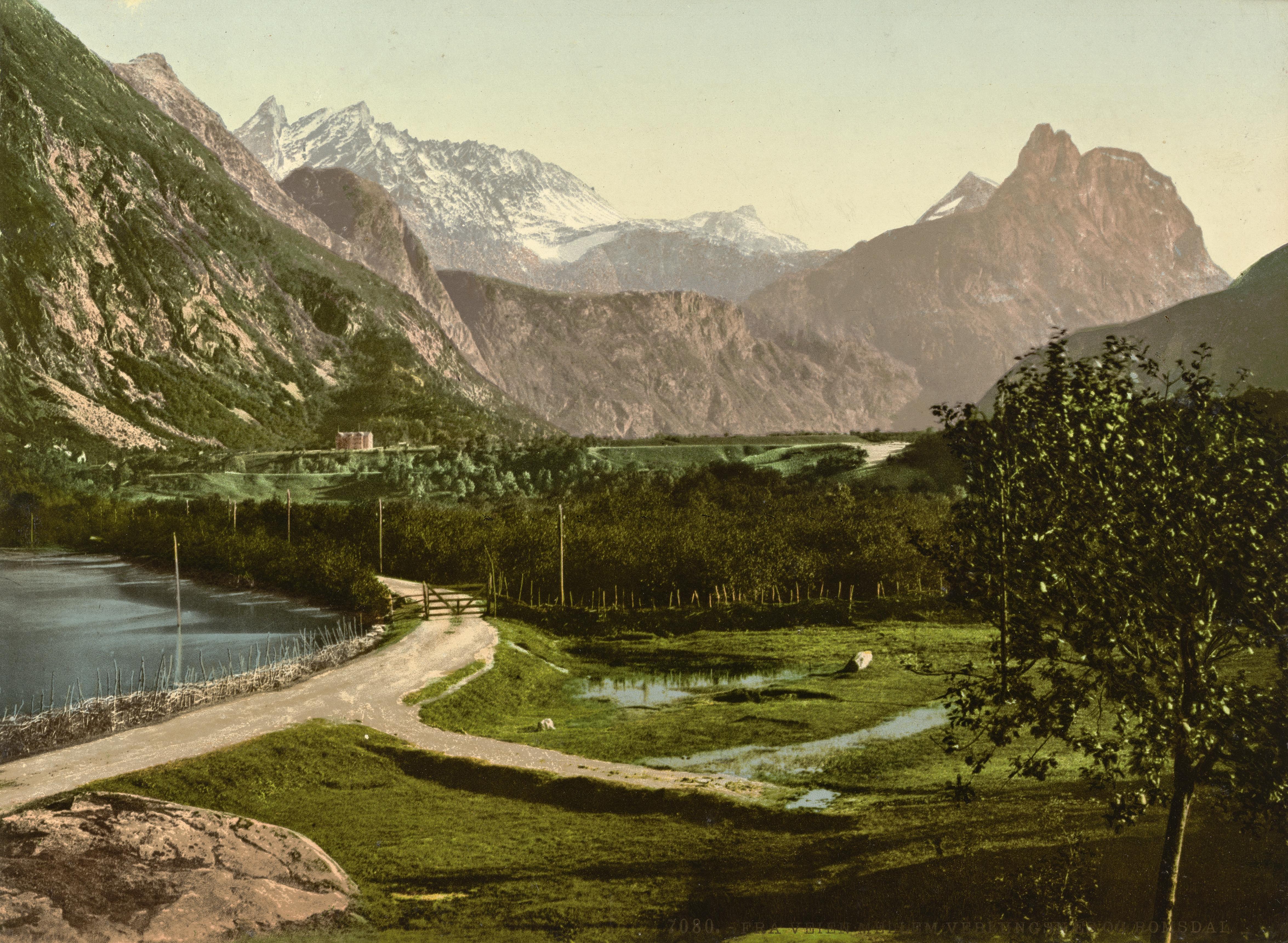 7080. Fra veien mellem Veblungsnæs og Romsdal