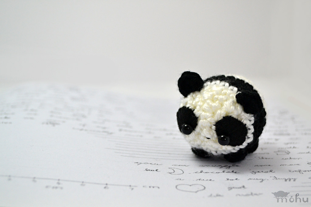 Pineapple Panda crochet pattern - Amigurumi Today | 682x1024