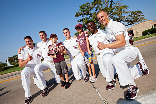 Yell Leaders and Young Aggies - Spirit Walk