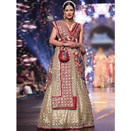 1ee360cbfe Shop Online Stunning Pakistani #Wedding #Lehenga #Outfits Muslim #Bridal .