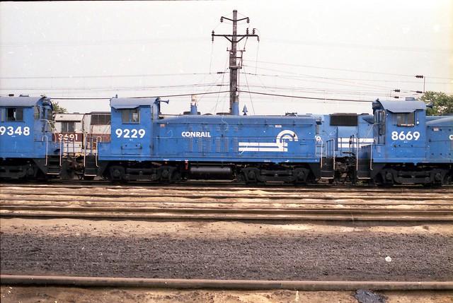 Conrail 9348, 9229, 8669
