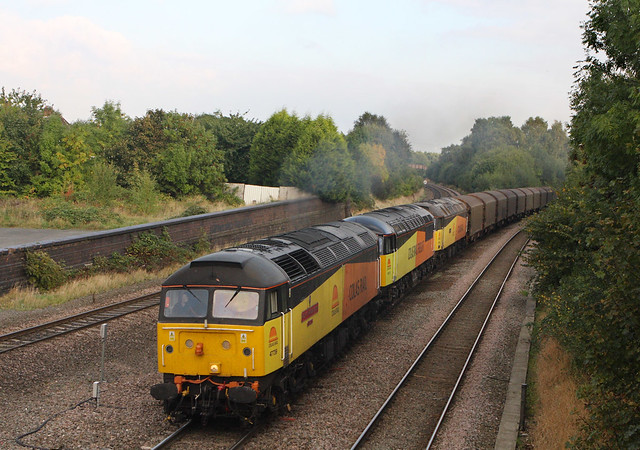 Firstly 47749 failed on y'days train at Sleaford... then 56113 goin to rescue it got no further than Leics...finally 47739 created this rather unusual tripple header...6Z08 47739+56113+47749 11-18 Sleaford-Washwood Heath Water Orton. 15-10-2013 CR2