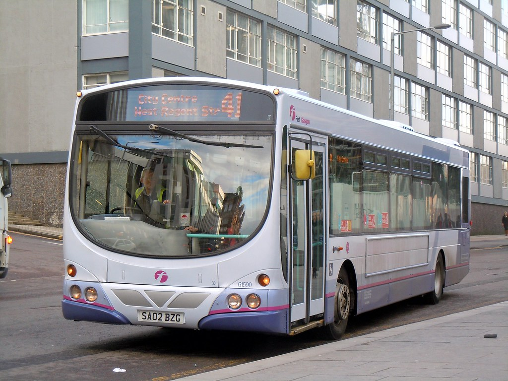 First Glasgow 61590 SA02BZG in new livery on 41 | J G1004 | Flickr