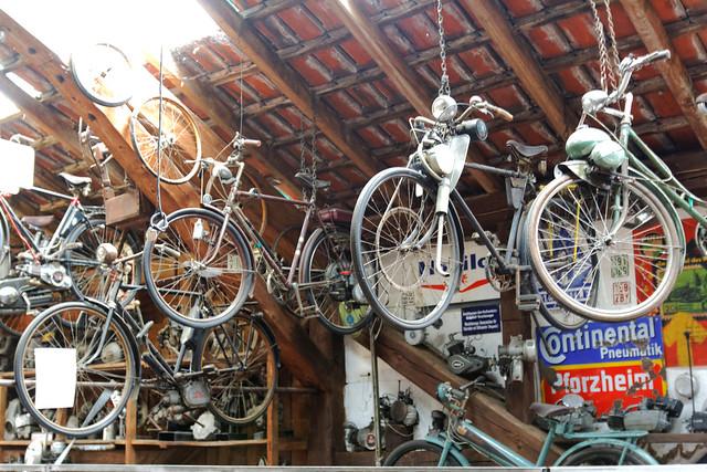 Motor betriebene Fahrräder