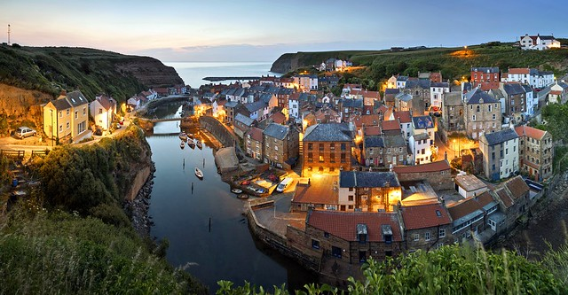 A new day begins - Staithes