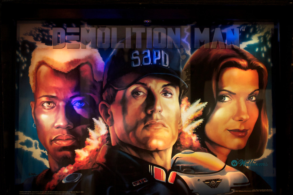 Arcade cabinet - Demolition Man | at Free Gold Watch in San … | Flickr