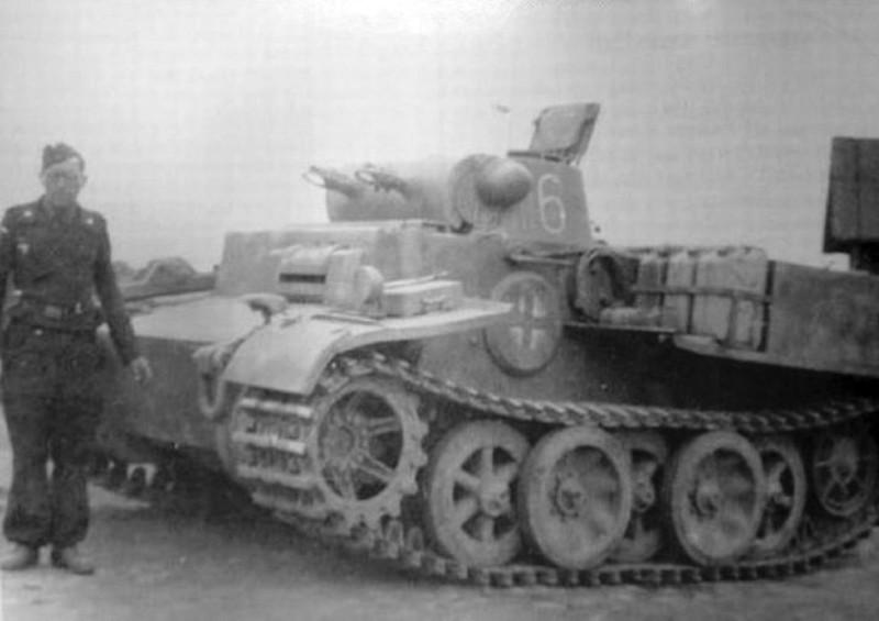 Panzer I & II (6)
