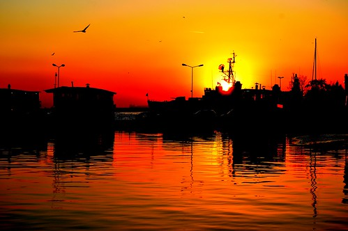 sunset red sea sky reflection harbour ships izmit