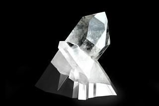 Peugeot-Design-Lab-Onyx-Sculpture-Crystal-&-Aluminium-001