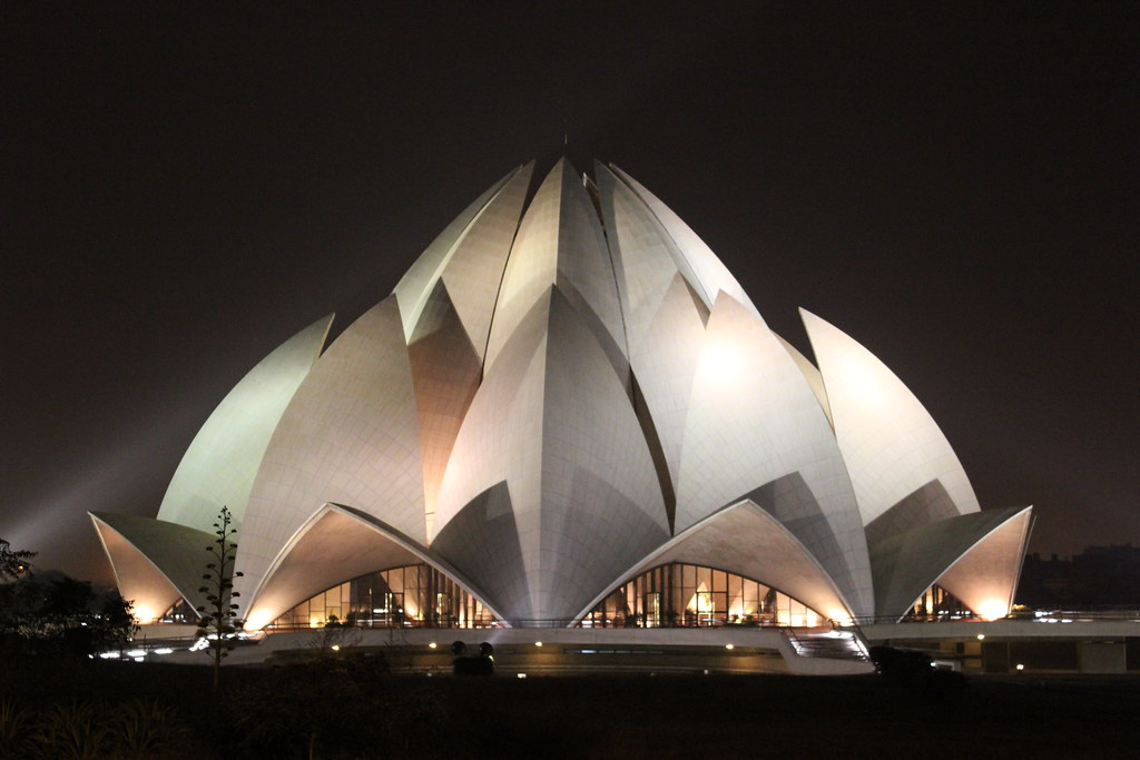 Lotus Temple tourist places in Delhi
