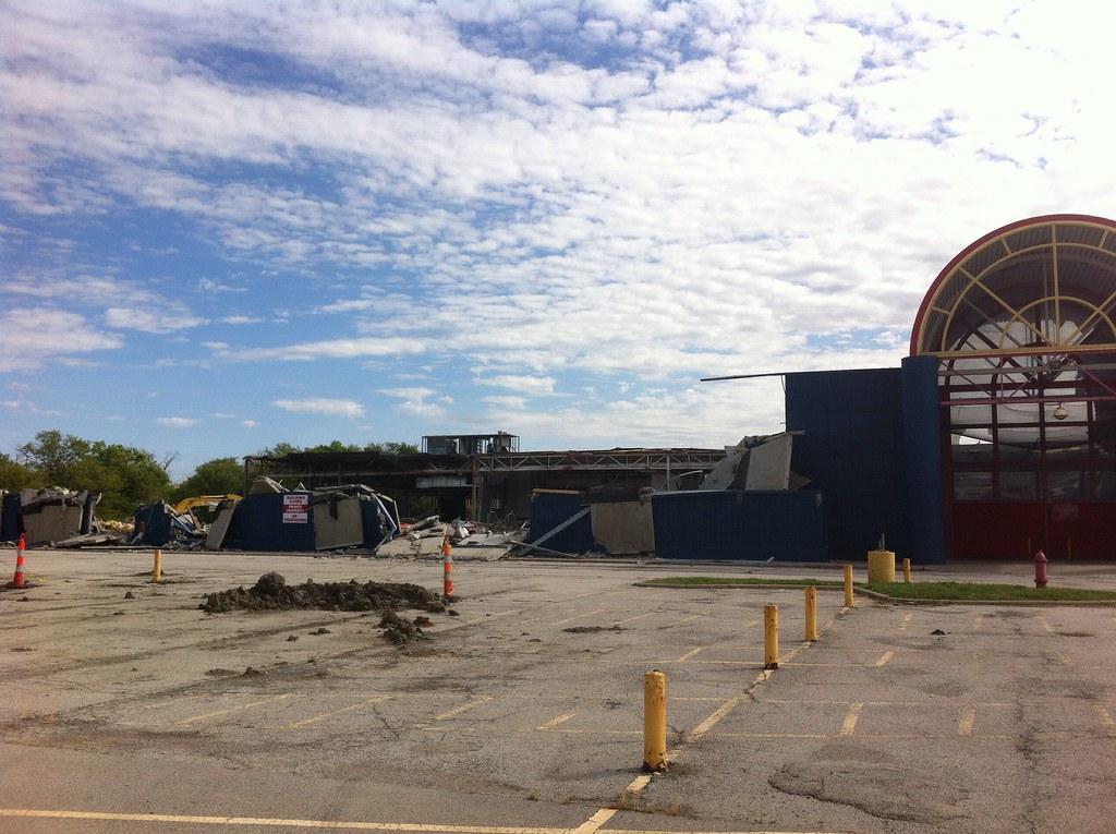 Kansas City Walmart Hypermart coming down I make way for C… | Flickr