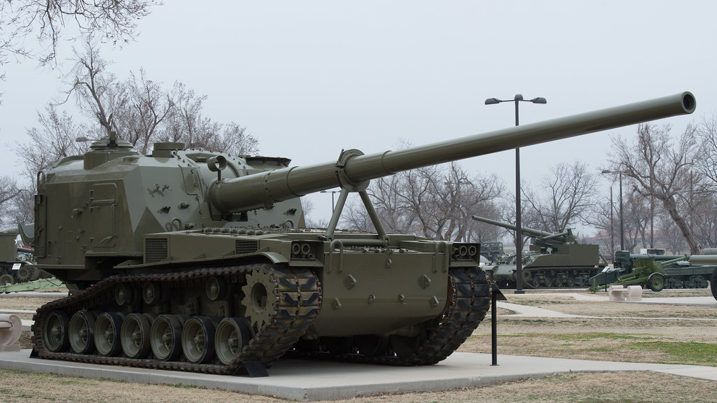 Self-Propelled Howitzer, 175mm T-162