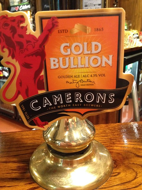 Cameron's Gold Bullion ale at The White Horse, Abingdon with Suzy, granny, Michael Kalinda and Fintan