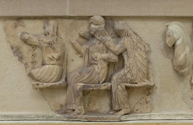 iphnian Treasury, V – East Frieze