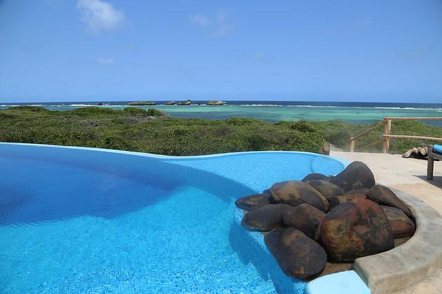 pool and ocean view, Kanani