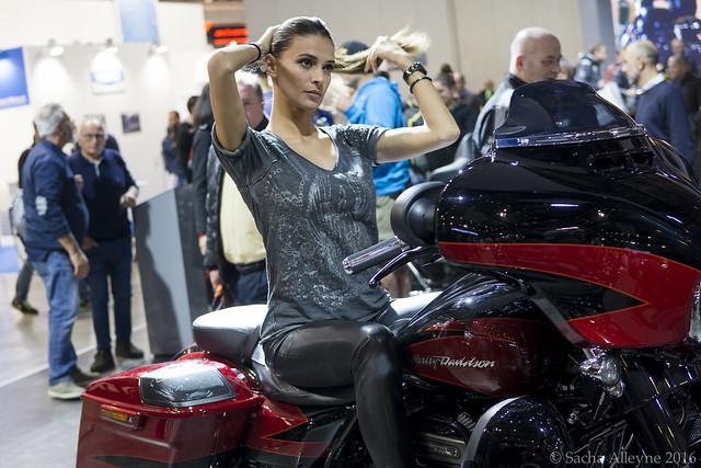 EiCMA 2016 - Harley Davidson girl